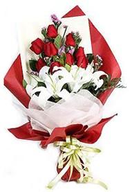 Manisa çiçek mağazası , çiçekçi adresleri  9 adet gül 2 adet kazablanka buketi