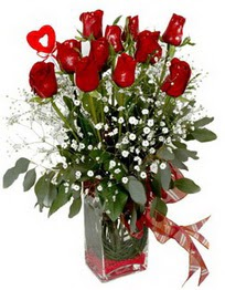 Manisa İnternetten çiçek siparişi  9 adet mika yada cam vazoda gül tanzimi kalp çubuk