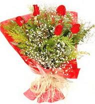 Manisa çiçek , çiçekçi , çiçekçilik  5 adet kirmizi gül buketi demeti