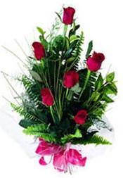 Manisa çiçekçiler  5 adet kirmizi gül buketi hediye ürünü
