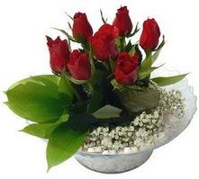 Manisa yurtiçi ve yurtdışı çiçek siparişi  cam yada mika içerisinde 5 adet kirmizi gül
