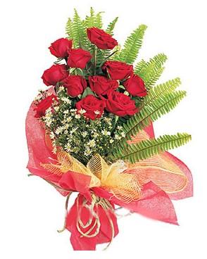 Manisa cicek , cicekci  11 adet kırmızı güllerden buket modeli