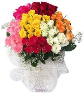 Manisa anneler günü çiçek yolla  51 adet farklı renklerde gül buketi