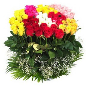 Manisa çiçek siparişi sitesi  51 adet renkli güllerden aranjman tanzimi