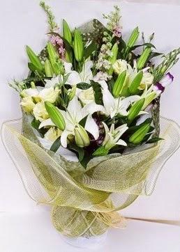 Manisa çiçekçi mağazası  3 adet kazablankalardan görsel buket çiçeği
