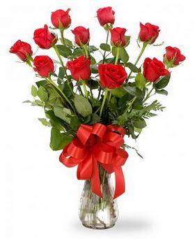 Manisa çiçek online çiçek siparişi  12 adet kırmızı güllerden vazo tanzimi