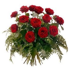 Manisa yurtiçi ve yurtdışı çiçek siparişi  15 adet kırmızı gülden buket