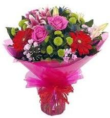 Karışık mevsim çiçekleri demeti  Manisa çiçek gönderme sitemiz güvenlidir