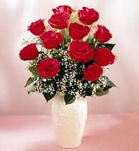 Manisa kaliteli taze ve ucuz çiçekler  9 adet vazoda özel tanzim kirmizi gül