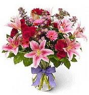 Vazo içerisinde karışık mevsim çiçeği  Manisa güvenli kaliteli hızlı çiçek