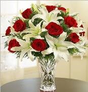12 adet kırmızı gül 2 dal kazablanka vazosu  Manisa hediye sevgilime hediye çiçek