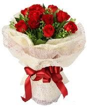 12 adet kırmızı gül buketi  Manisa çiçek , çiçekçi , çiçekçilik