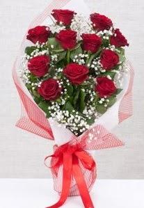 11 kırmızı gülden buket çiçeği  Manisa çiçek satışı