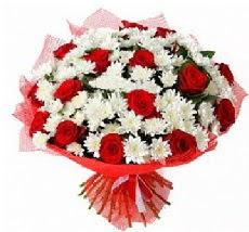 11 adet kırmızı gül ve 1 demet krizantem  Manisa çiçek siparişi sitesi