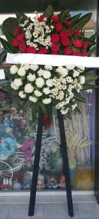 Cenaze çiçeği cenaze çiçek modelleri  Manisa güvenli kaliteli hızlı çiçek