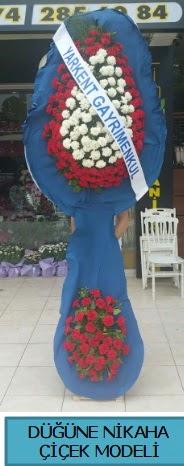 Düğüne nikaha çiçek modeli  Manisa hediye sevgilime hediye çiçek