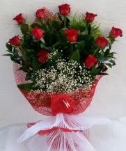 11 adet kırmızı gülden görsel çiçek  Manisa hediye sevgilime hediye çiçek