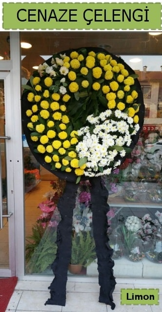 Cenaze çiçeği çelengi modelleri  Manisa hediye sevgilime hediye çiçek