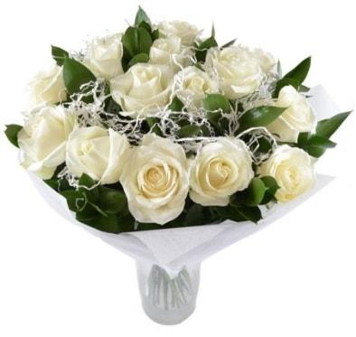 15 beyaz gül buketi sade aşk  Manisa hediye sevgilime hediye çiçek